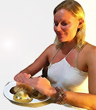 maria-gives-reiki-to-food-made-by-food-motion-mexico-cooking-workshop
